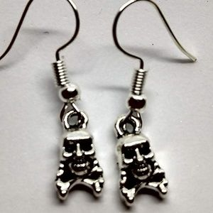 5/$20 Cute skull crossbones S Earrings Halloween